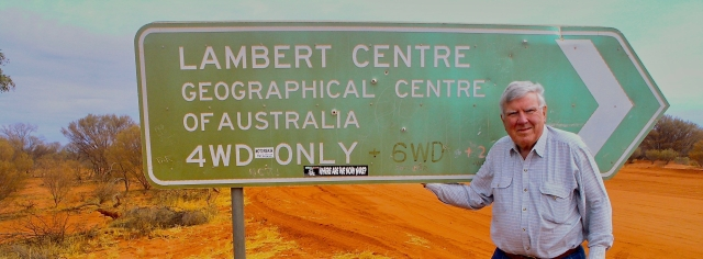 On the road to the geographical centre of Australia near the NT/SA border